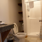 room-rental-efficiency-full-size-bathroom-williamsport-pa-17701